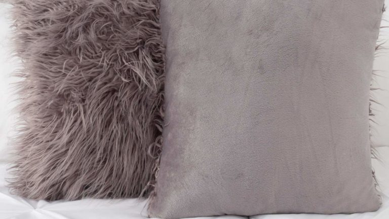 Super soft faux fur accent pillows 🛋️ 🛌
