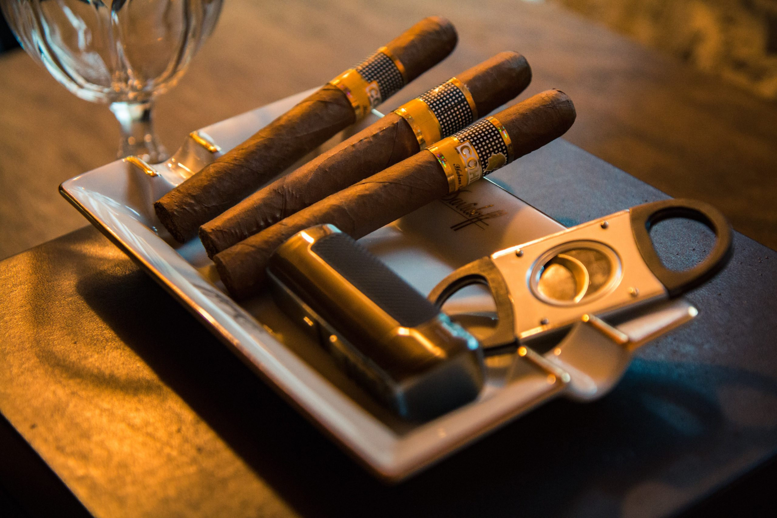 Humidor Kit for Cigars 👨‍👦‍👦🗓️