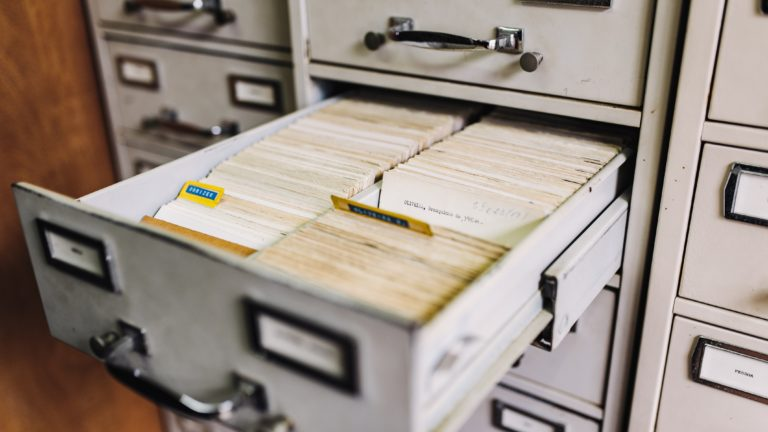 Does anyone still use a file cabinet? 📁🗄️